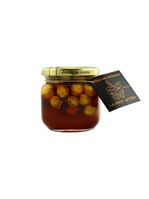 Honing met hazelnoten